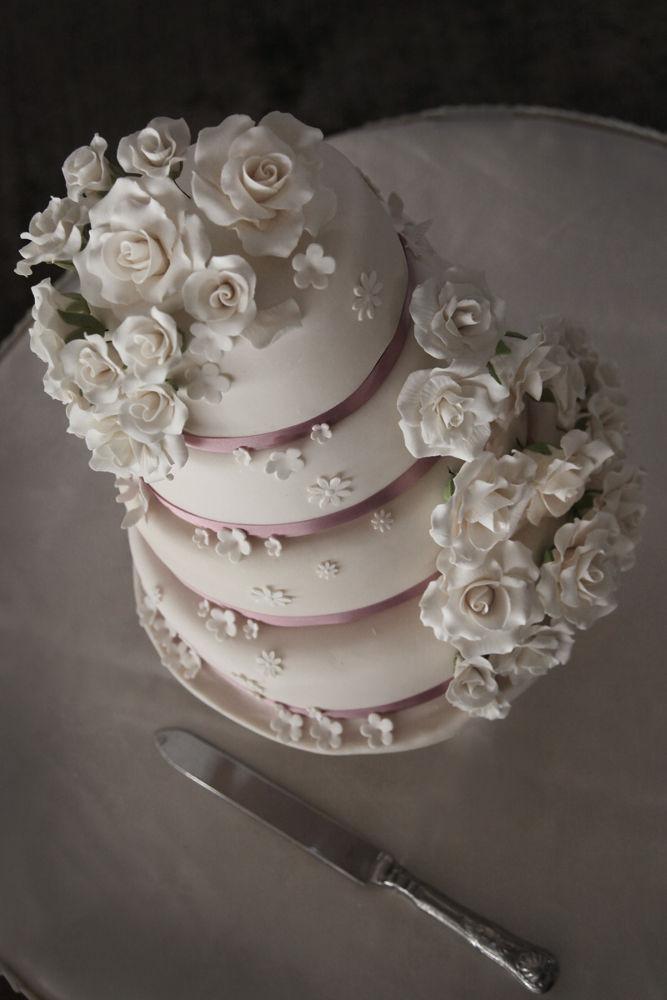 Wedding Cake by jennybracegirdle