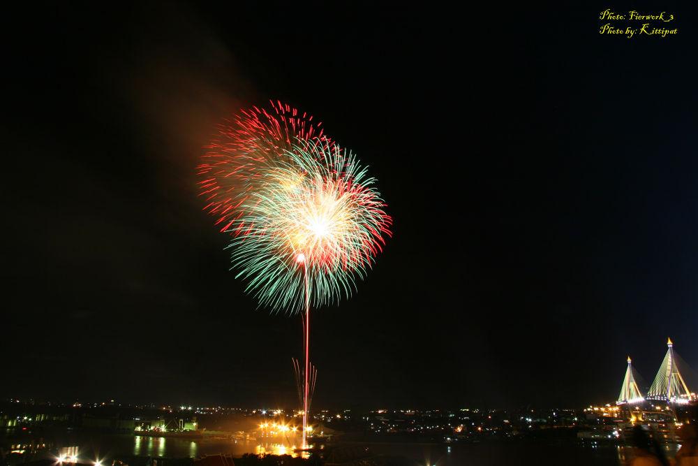 Firework_3.jpg by kittipatboonchim
