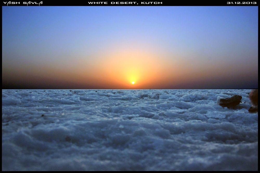 LAST SUNSET OF 2013 IN INDIA ON THE GREAT RANN OF KUTCH  by yashsavla19992