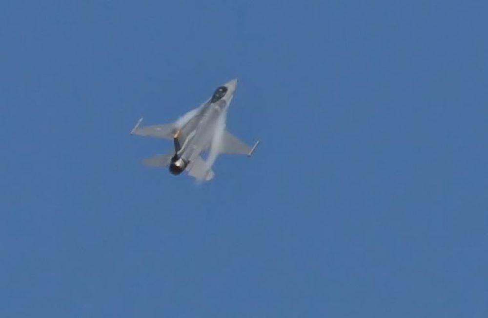 ILockheed Martin F-16 ( Fighting Falcon ) by John Torcasio