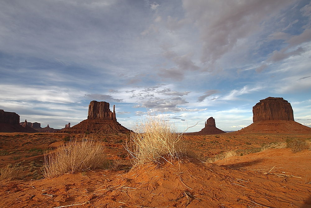 Monument Valley by lucamondini