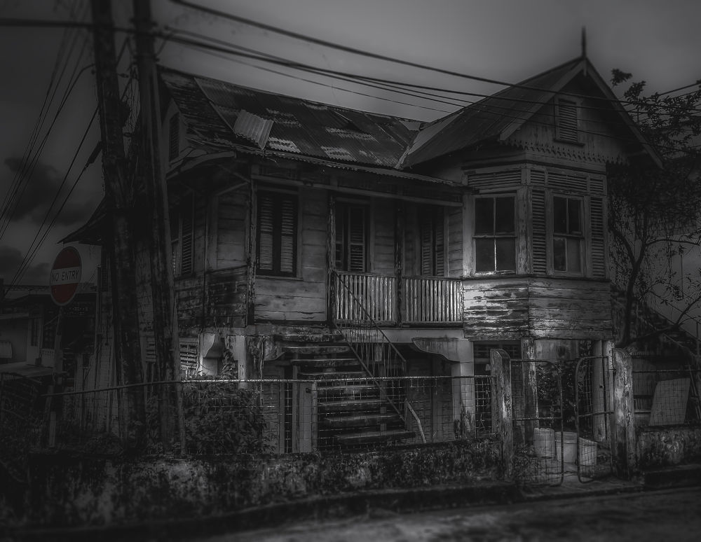 Old house on the corner by JoelHinkson
