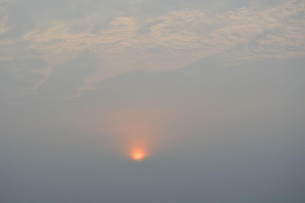 sun by azzamqadri