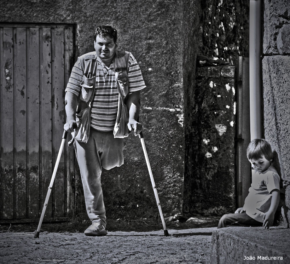 O homem e o menino by joaomadureiraii