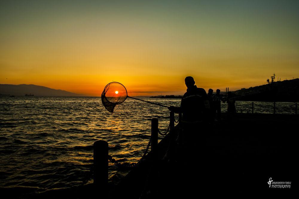 Güneşi Avlamak  by Sabahaddin