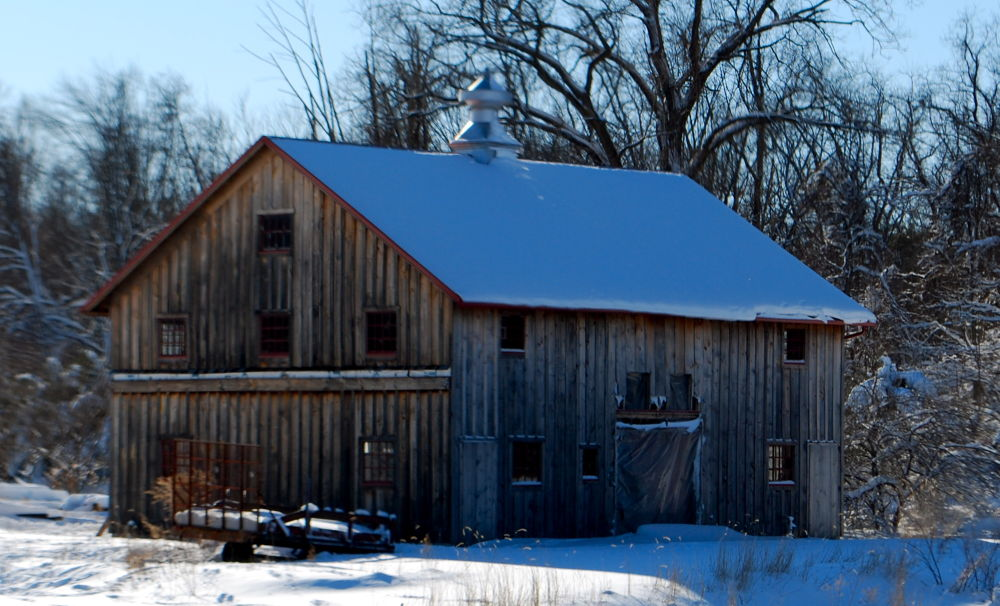 A Old Barn In Northern New Jersey        U.S.A.  by ChrisDenton