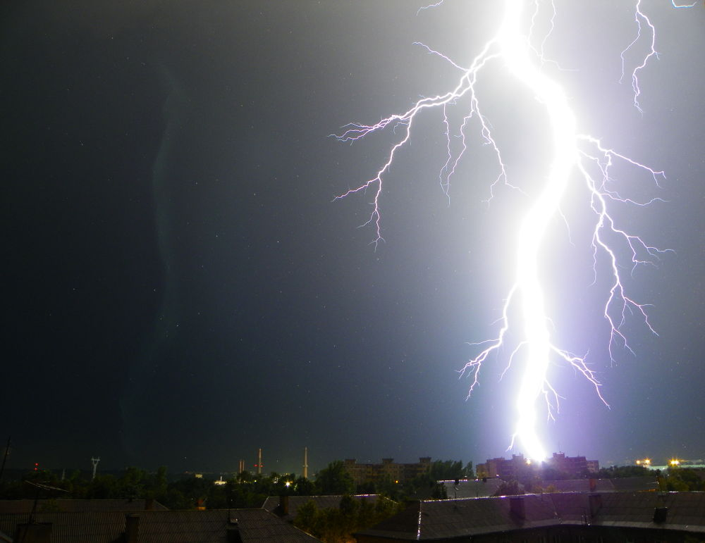 Lightning by RenatasKripas