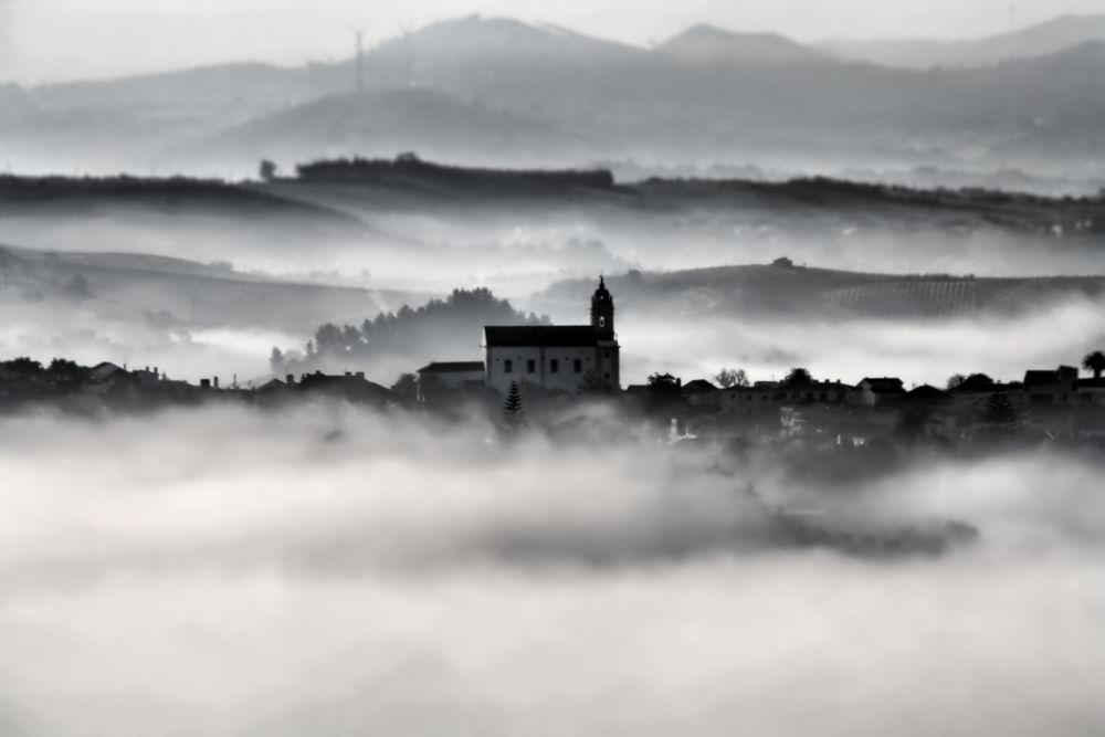 Foggy sunrise by Joaquim Gaspar