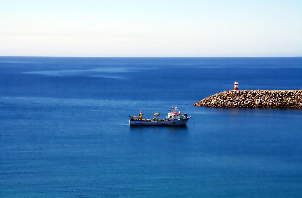 Boat by Joaquim Gaspar