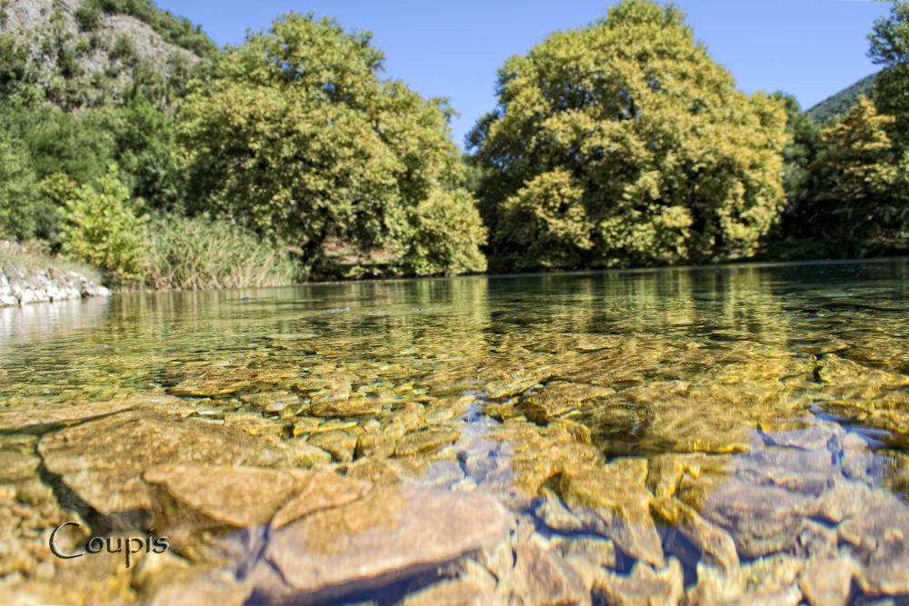 Springs of Louros river by George Thanasis