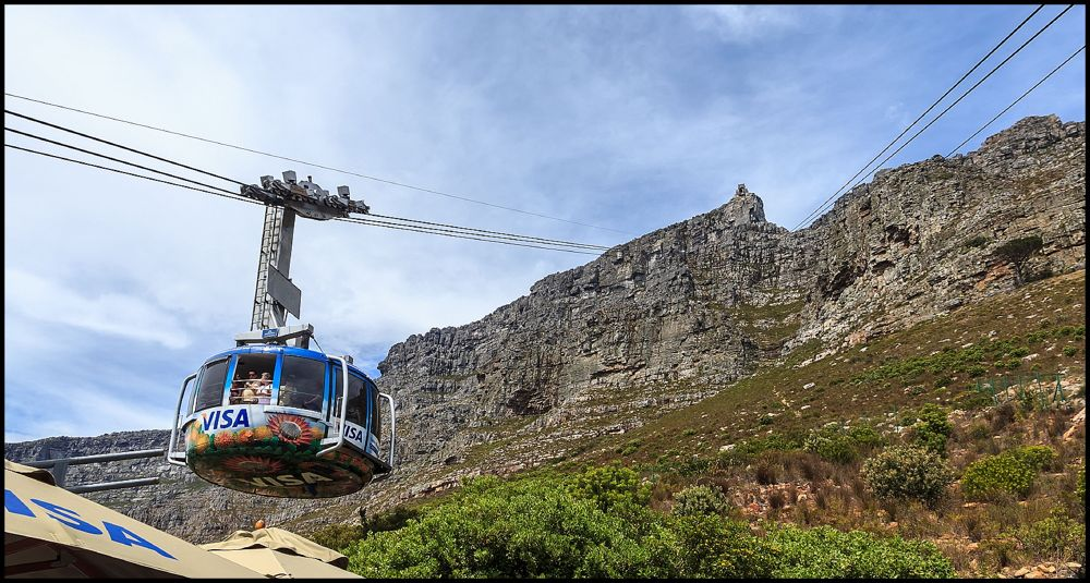 cable car to Table Mountain by HelenaSousa