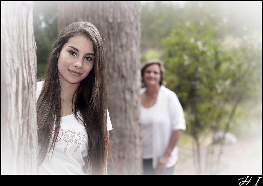 Mother - Daughter shoot 1 by HelenaSousa