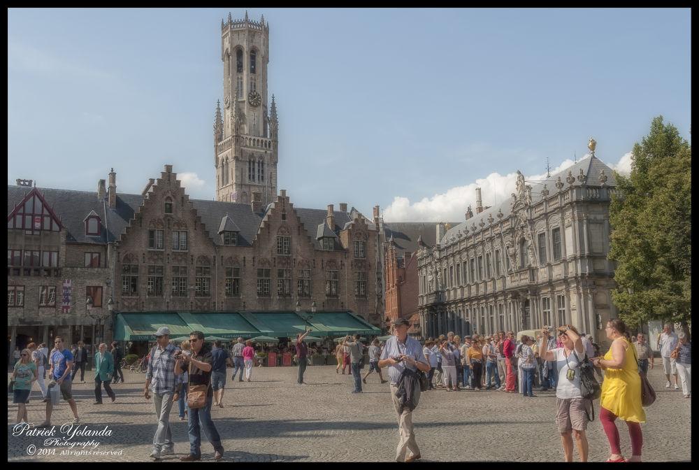 Bruges Tourist by patrickyolanda