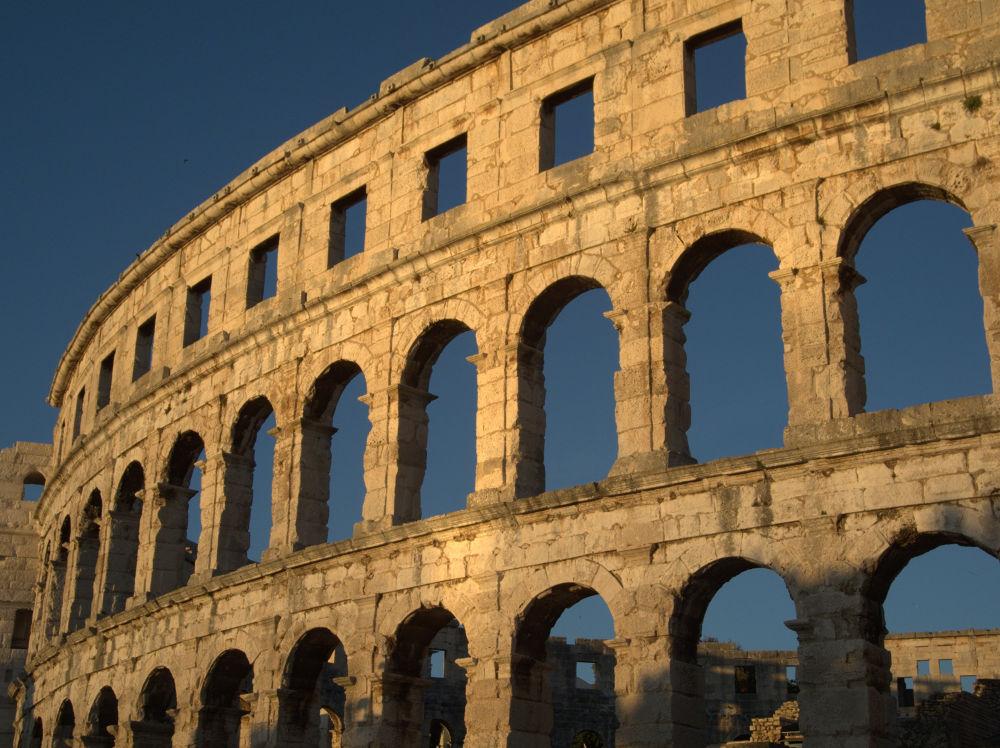 Colosseum Pula.jpg by gordanavale