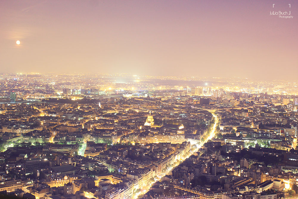 Over the rooftops of Paris by JBPhotography
