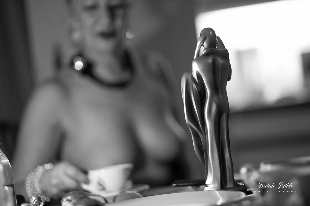 nude flou  by Salah Jalkh