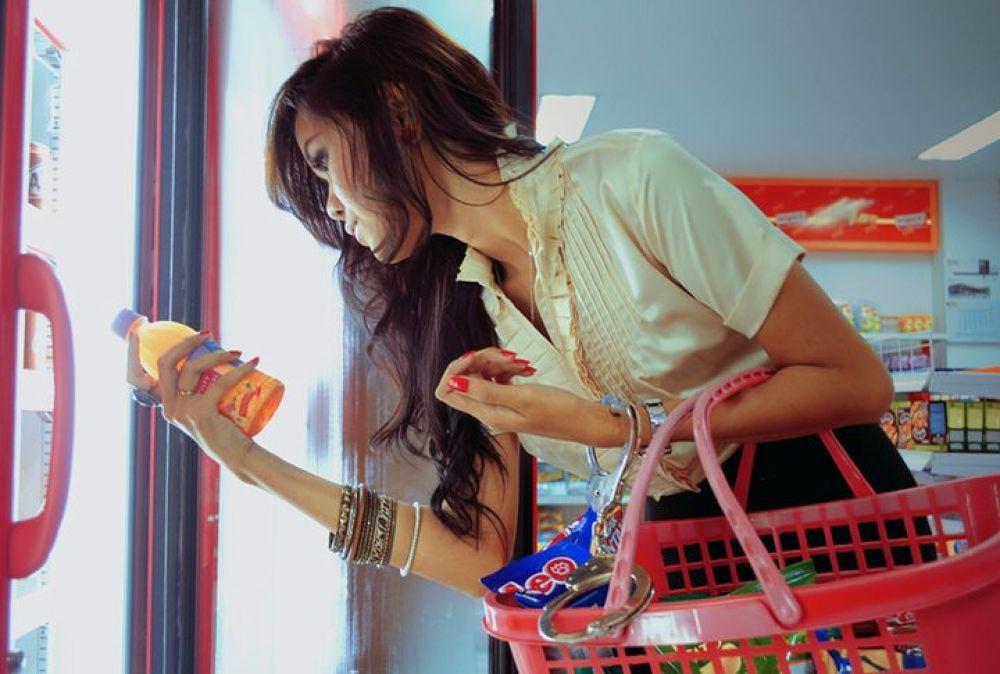 shopaholic by iamjarot
