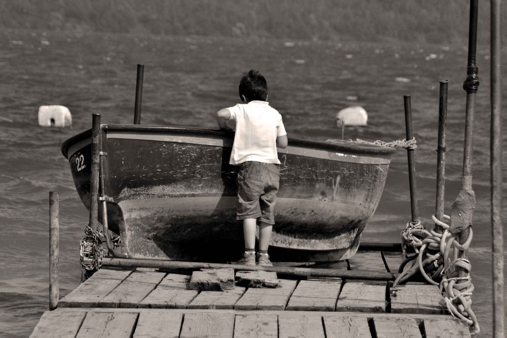 the kid and the boat by DiegoPh
