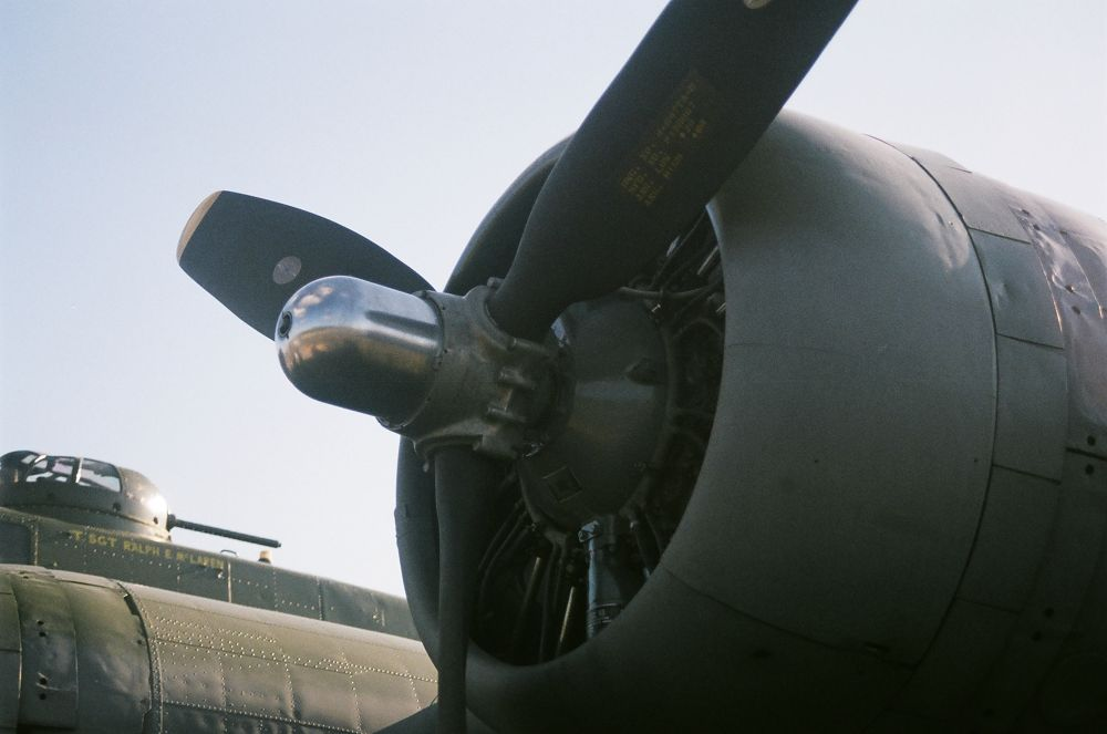 00150013 B-17 by maynardjeffers