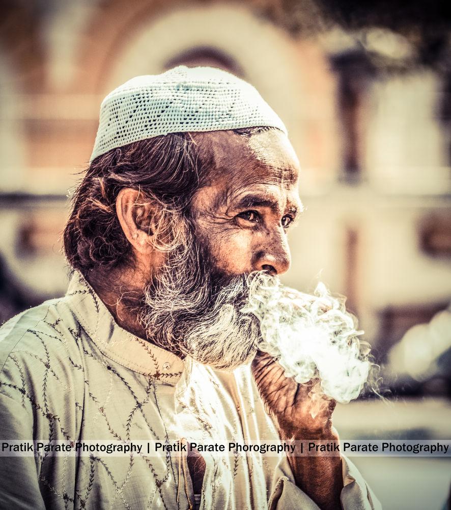 people 2.jpg by pratiekparate