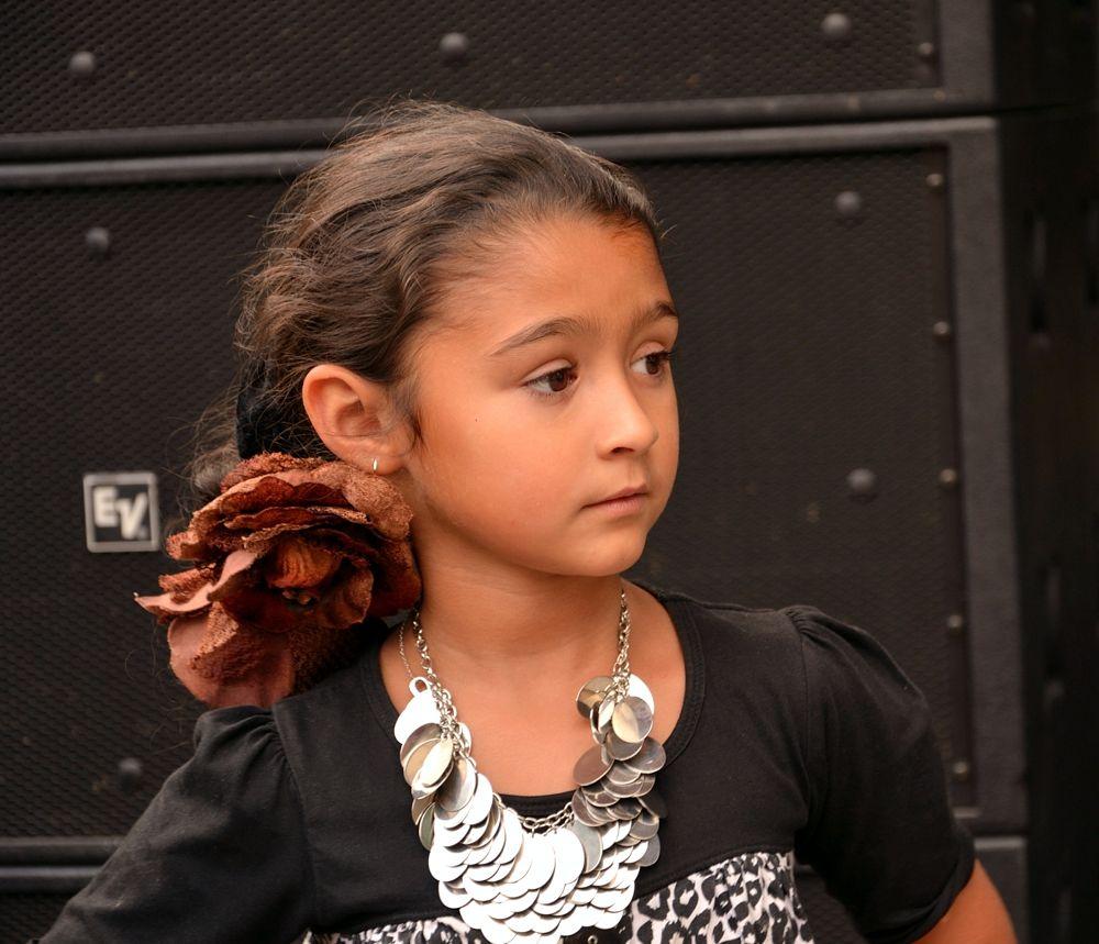 A Roma girl by habibi27