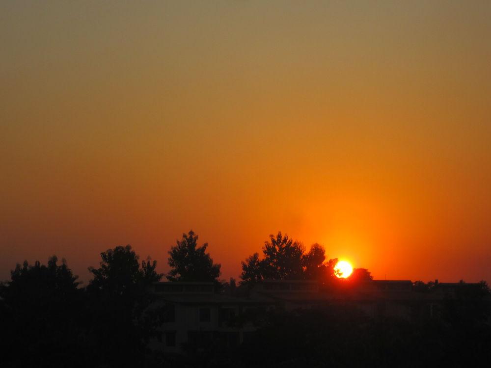 Sunset by kitolazasumi