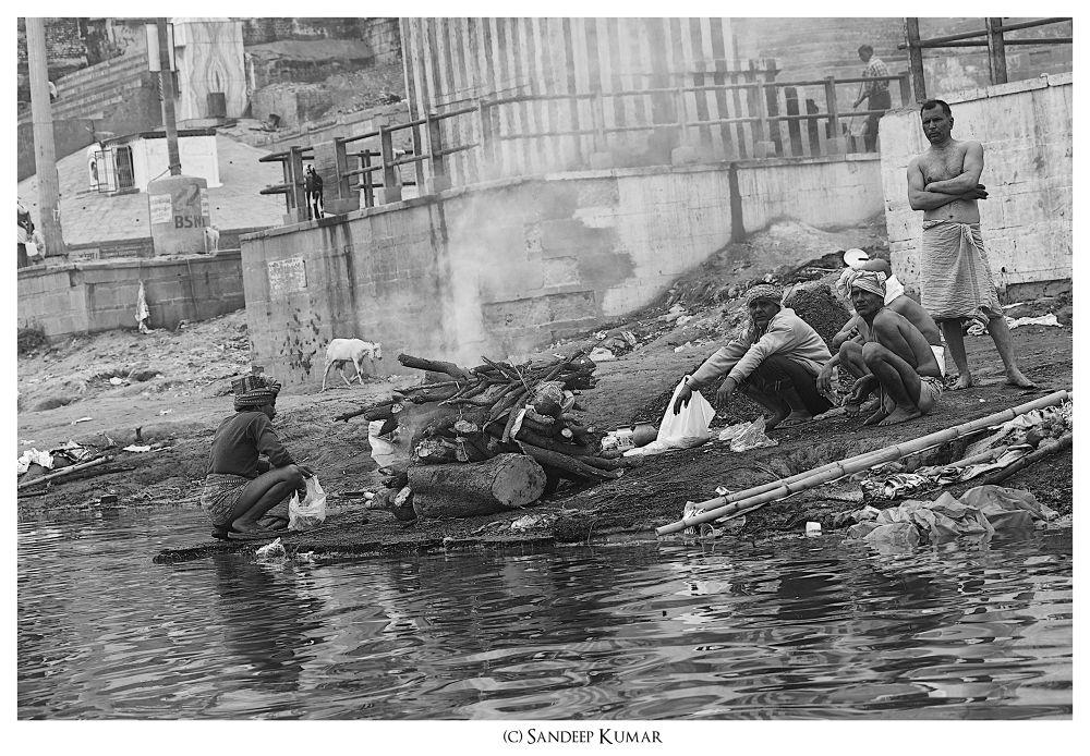 Harischandra Ghat, Varanasi by skfotography