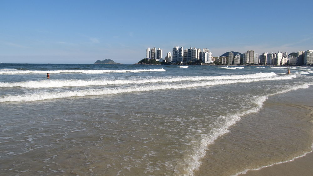 Guaruja Beach Brazil by simonp