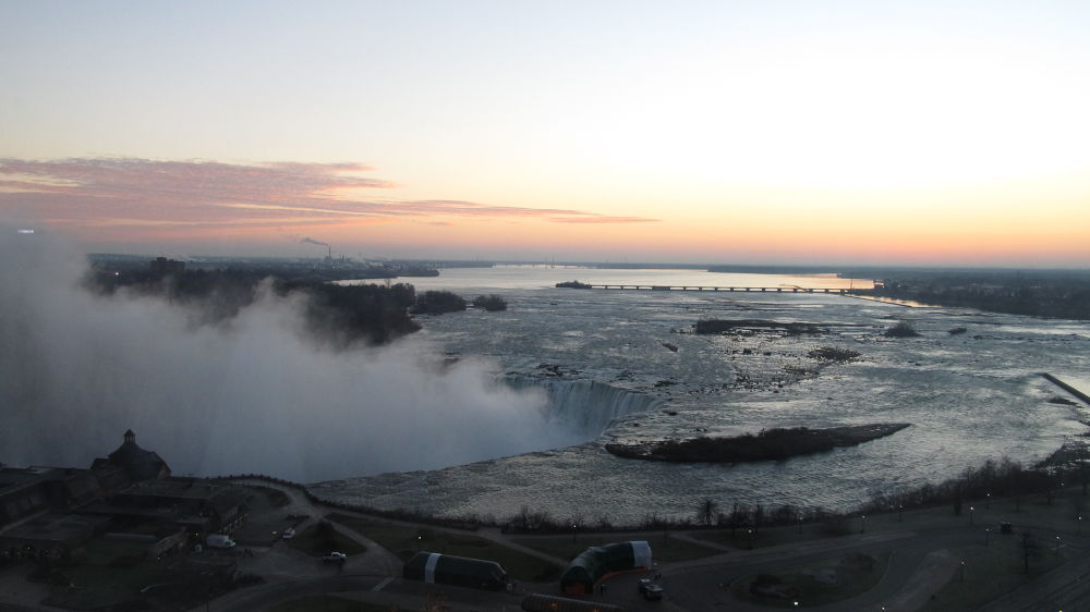 Niagara Falls on a Cold Morning by simonp