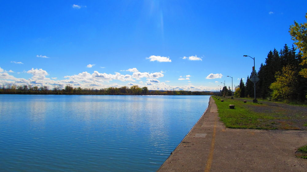 Welland Canal  by simonp