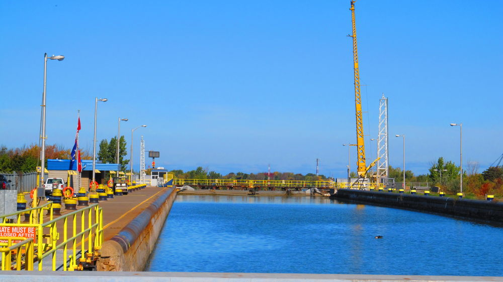 Welland Canal St Catherines by simonp