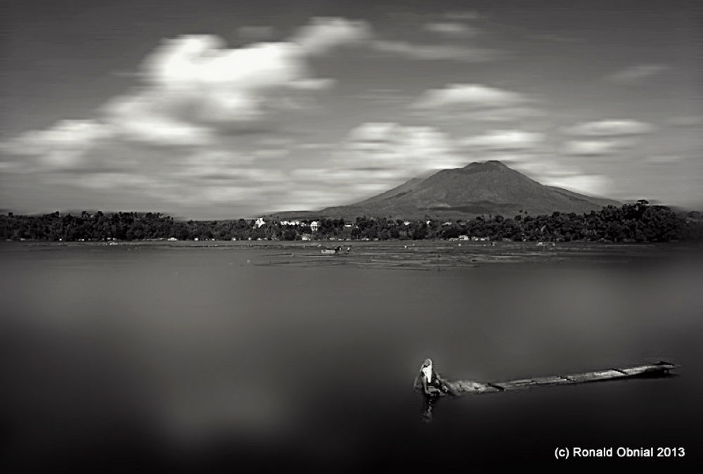 Sampalok Lake... by ronald_obnial