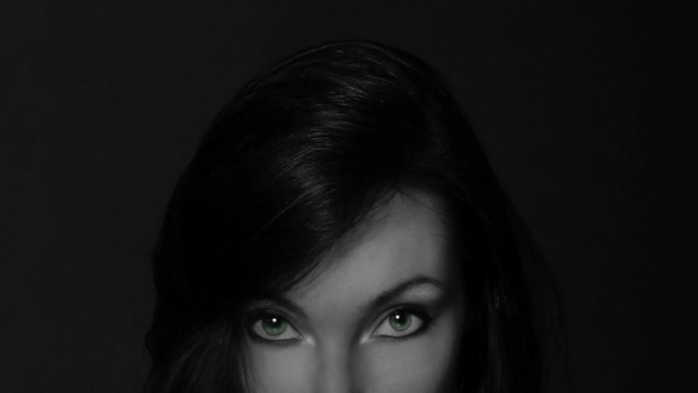Aly  eyes green by    MAX  PENTINETTI