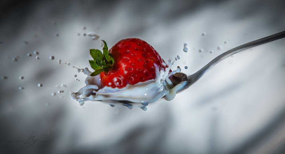 Strawberry splash by americanbruce
