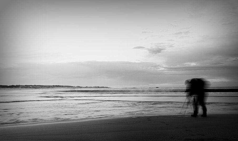 The Phantom of the beach ..... by paulofaria5496
