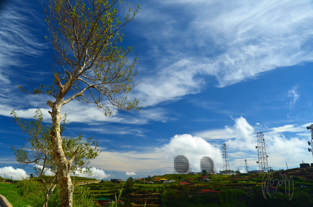 Mt. Cabuyao Radio Relay Station, Baguio City, Philippines by jun fernandez
