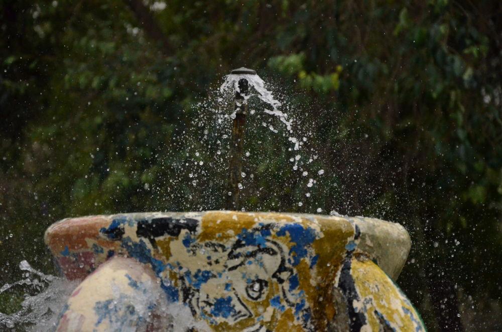 Water  by twanakanyskan