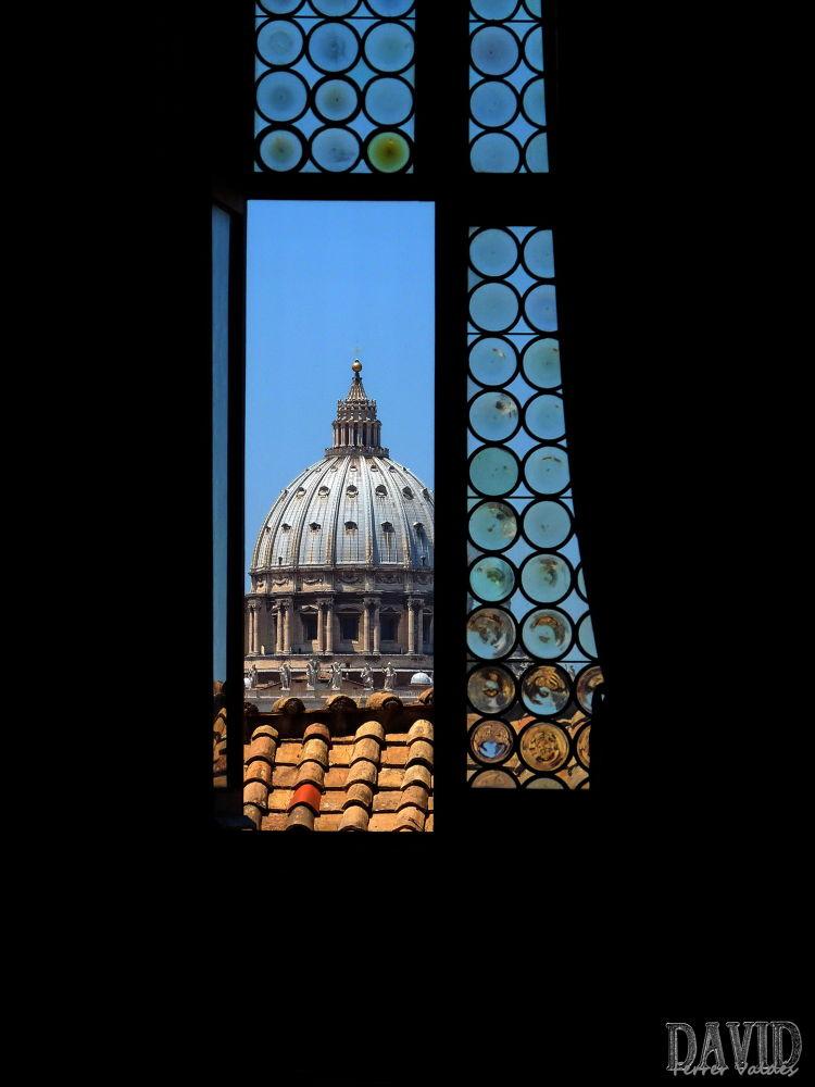 Cúpula de San Pedro desde las estancias del Castello de Sant Angello by davidferrervaldes