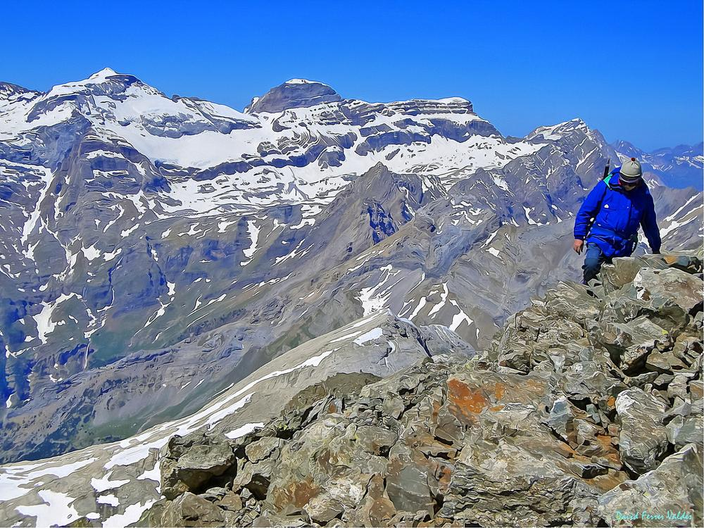 High Pyrenees by davidferrervaldes