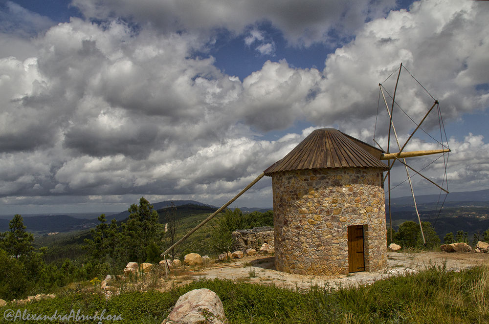 Windmill by mariaalexandraabrunhosa