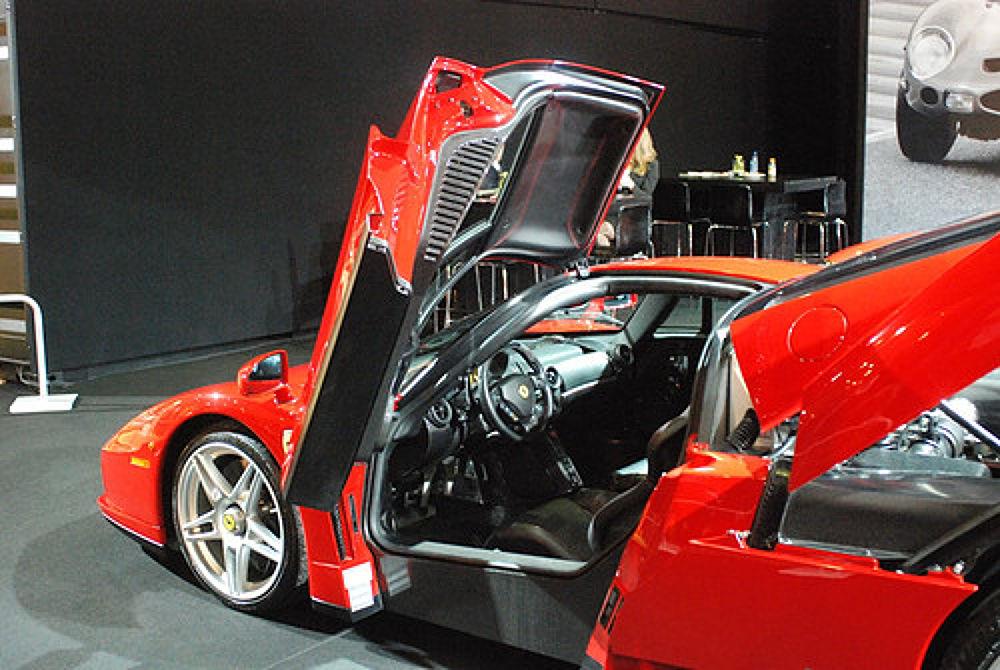 Ferrari Enzo by raimonddehoogt