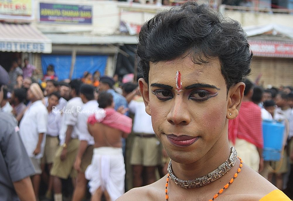 A dancer at Puri Chariot Festival by radeeh