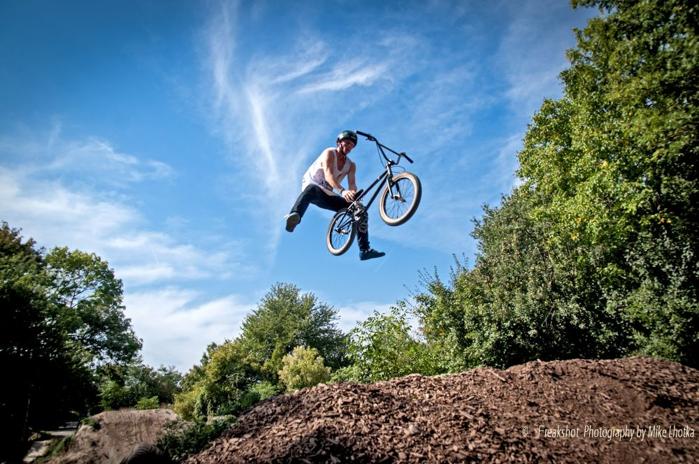 Cannonball Jump at the Dirtgarden Vienna by FreakshotPhotography