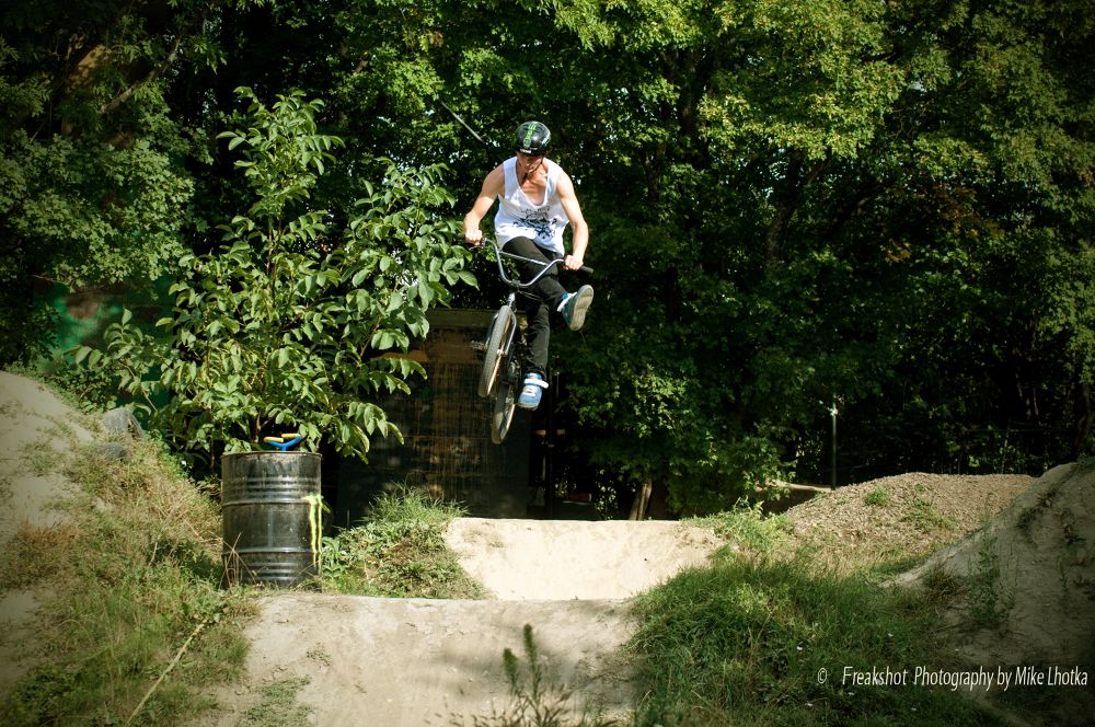 cancan jump at the dirtgarden Vienna by FreakshotPhotography