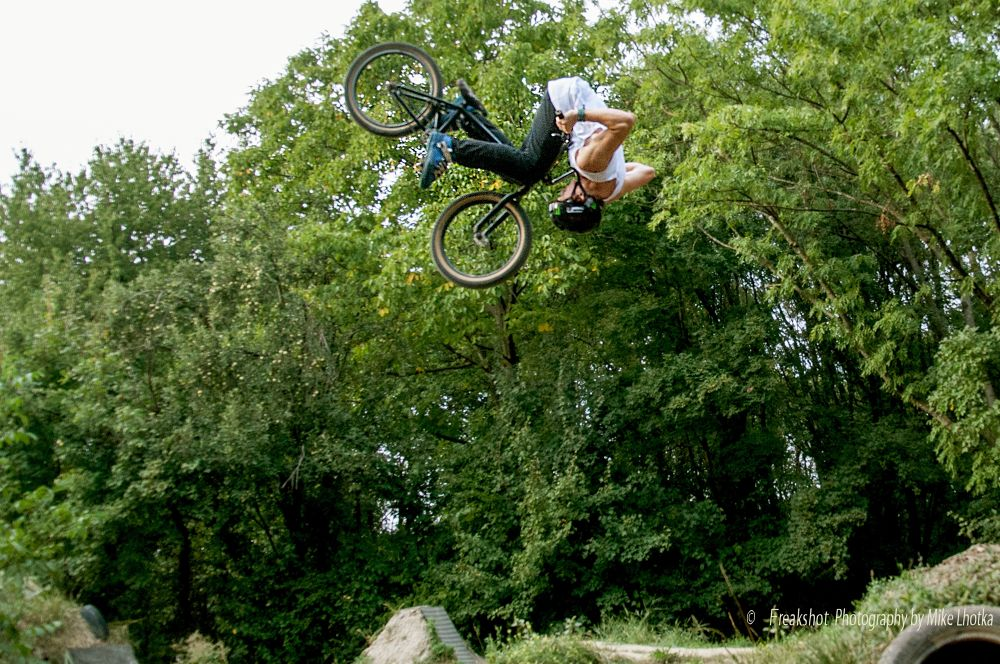 Frontflip position by FreakshotPhotography