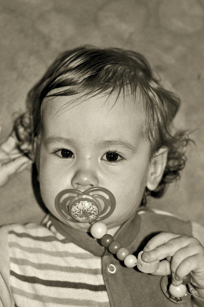 Leonie Portrait by FreakshotPhotography