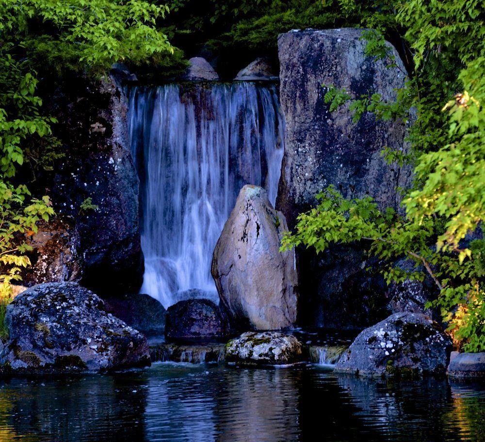 Waterfall by Rndmtn 🇨🇦