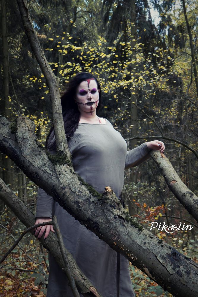 Mystic Girl by TheKaddi