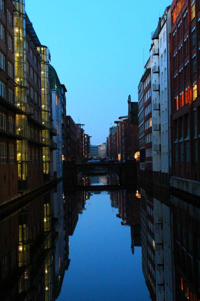 Hamburg I by Schnippy