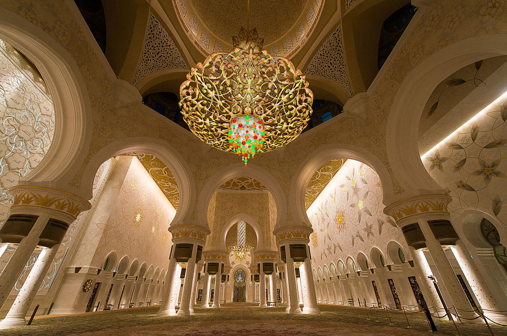 The great Grand Sheikh Zayed Mosque by Babar Swaleheen